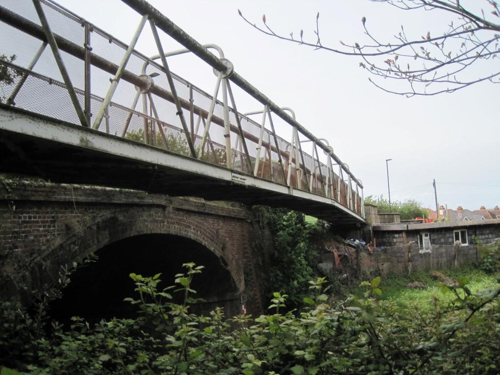 Photo showing footbridge at Lake